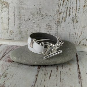 bracelet en cuir blanc fermoir maille marine