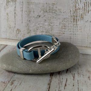bracelet en cuir bleu pastel maille marine